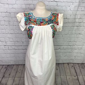 VINTAGE: Mexican Embroidered Dress